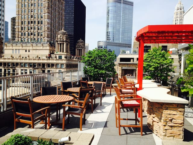 Luxury amenities, rooftop & best location! 3 in 1! - Chicago - Apartamento