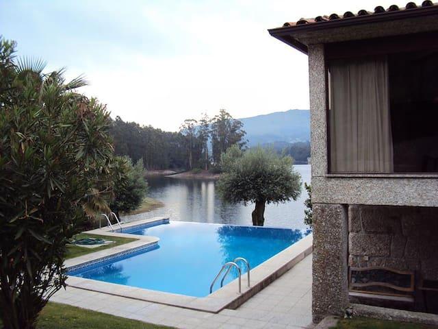 Casa dos Gaios - Rio Longo Nascente - Villa