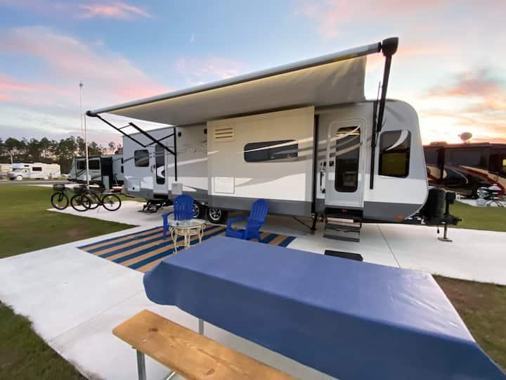 Premium RV - Camping Experience - Near Disney