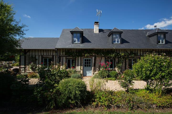 Maison de famille dans la campagne normande - Saint-Sulpice-de-Grimbouville - Feriehjem