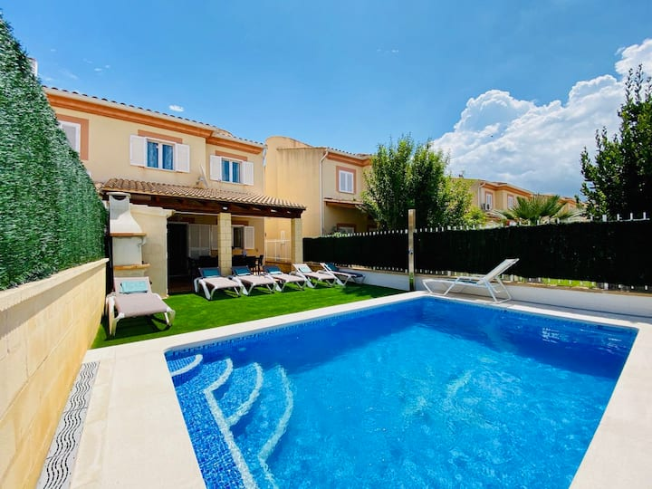 Villa Estrella II with private pool near the beach