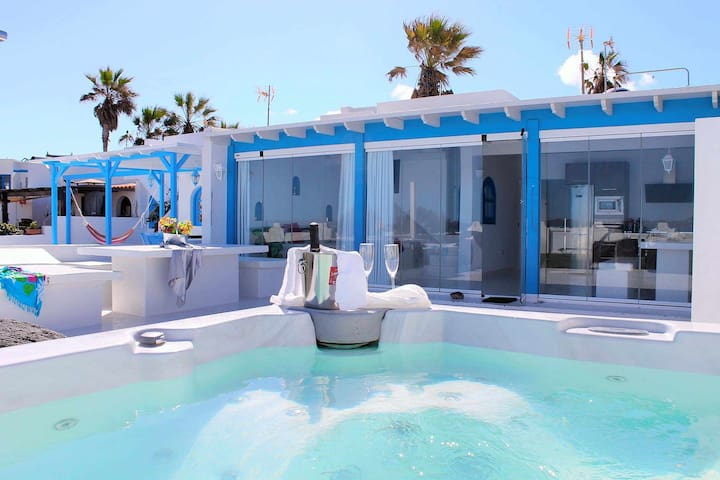 Beach front house with jacuzzi in Fuerteventura.