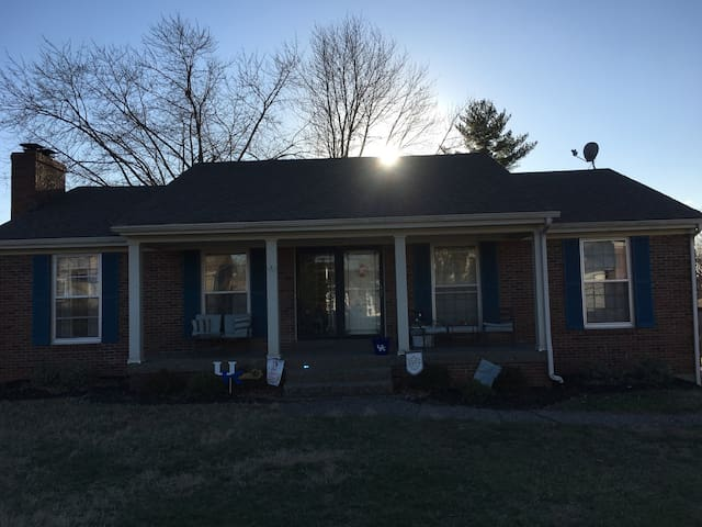 Your Ky. Derby home 15 minutes from Churchill Down - Jeffersontown - House