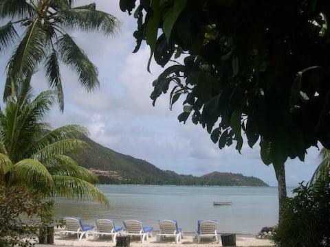 Sea View Lodge 1 bedroom villa/ sea view and  pool