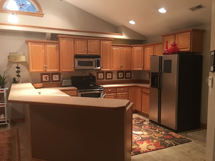 Full access to the kitchen with modern appliances.