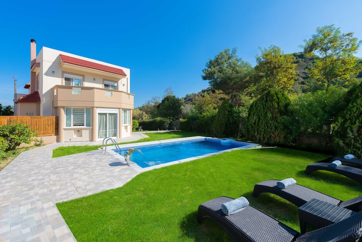 EvMar Villa in Ialysos with private pool