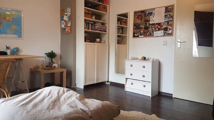 Cozy room in shared flat // city centre