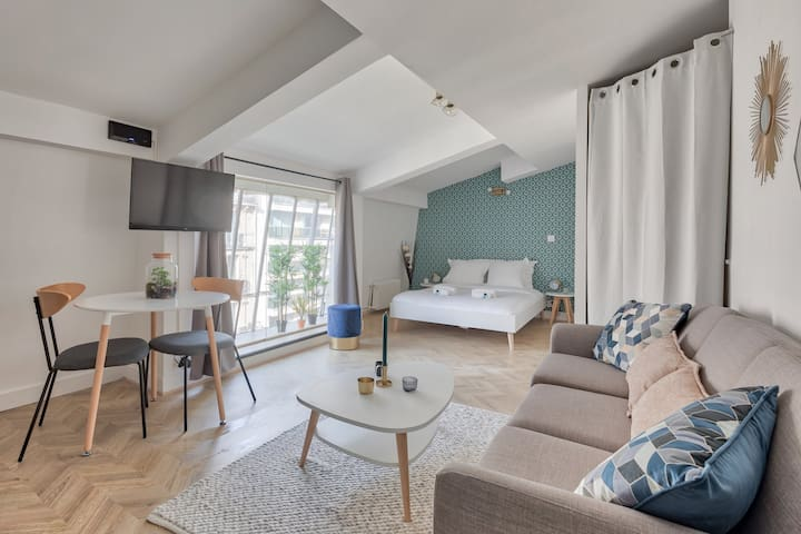 ♥ Renovated apartment near Arc Triomphe - 2P