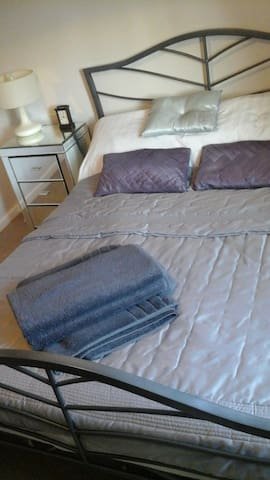 Room, Double Bed - Single Occupancy - Harlow