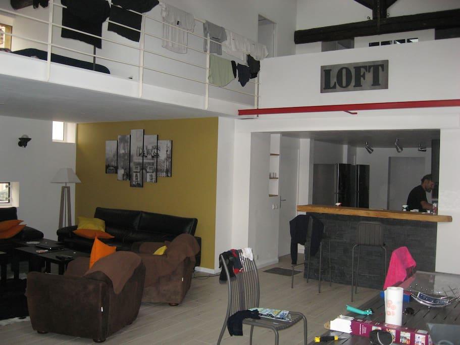 espace convivial de 200 m2