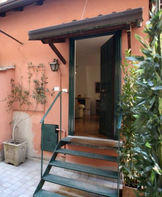 si entra in casa coming inside