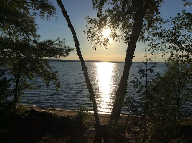 Lakefront Cottage Getaway - Bonnechere Valley