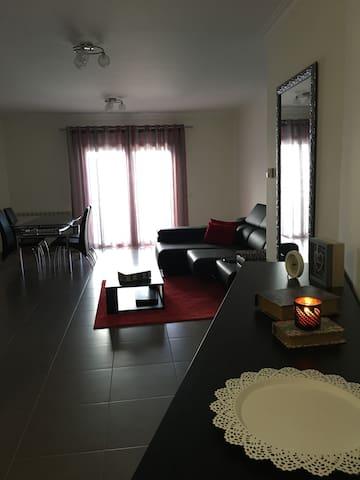 Apartamento T1 - 11/12/13 DE MAIO - Leiria