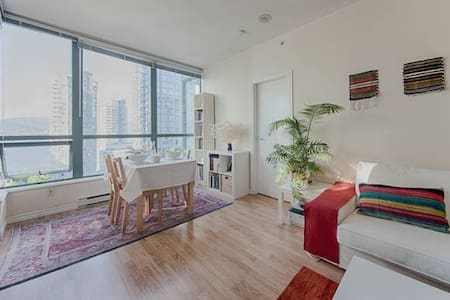 Room for female - Heart of Downtown, Amazing View - Vancouver - Leilighet