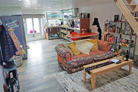 Unique modern apartment with Parking/WiFi/Jacuzzi