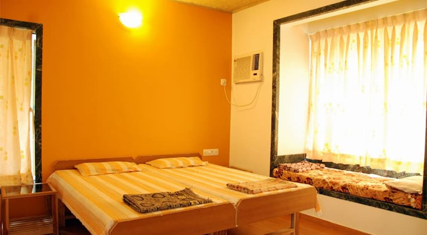 Akshay Bungalow - Deluxe Rooms