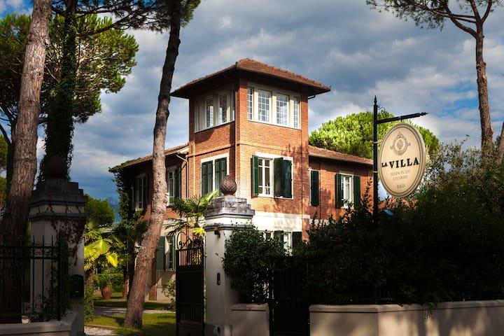 VILLA VICINO AL MARE DELLA VERSILIA - Massa - Villa