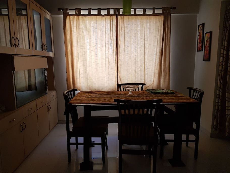 Dining space for 4