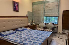 Garden View Room With Private Bathroom Near Elante Bungalows For Rent In Chandigarh