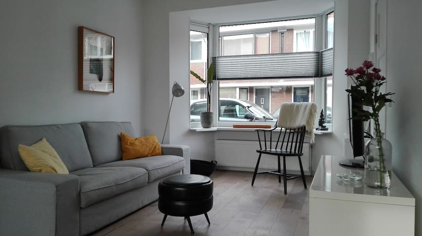 Awesome home in Utrecht with parking - Utrecht - Hus