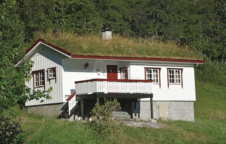 Holiday cottage with 1 bedroom on 47m² in Vågstranda