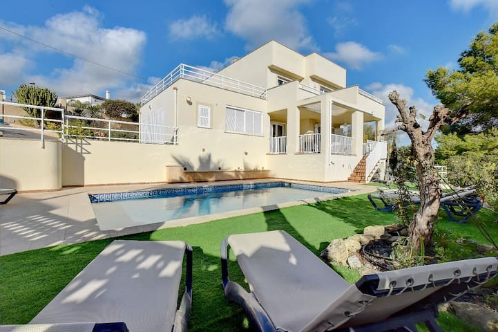 Wonderful family Villa Ulises with sea views in 500 meters from sandy beach