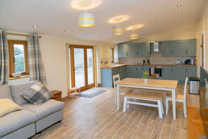 New Oak Cottage