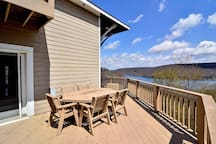 Lake access home w/ great community perks, private hot tub & fire pit!