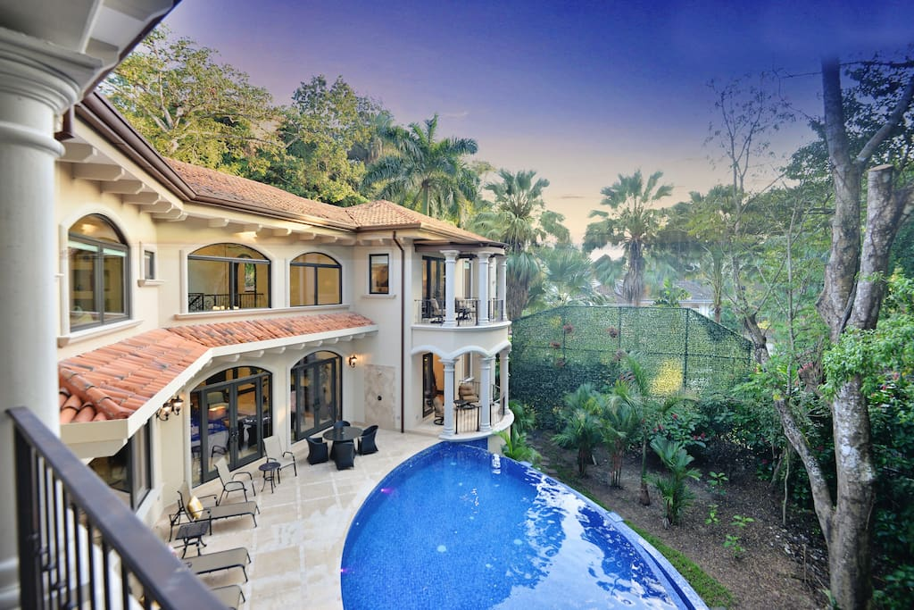 Casa Vista Paraiso Brand New Luxury Home with Lush Tropical Rain Forest view and private pool!