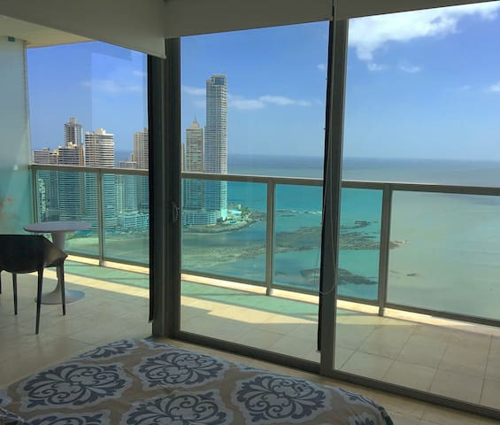 Real luxury bedroom with oceanview - Panamá - Flat
