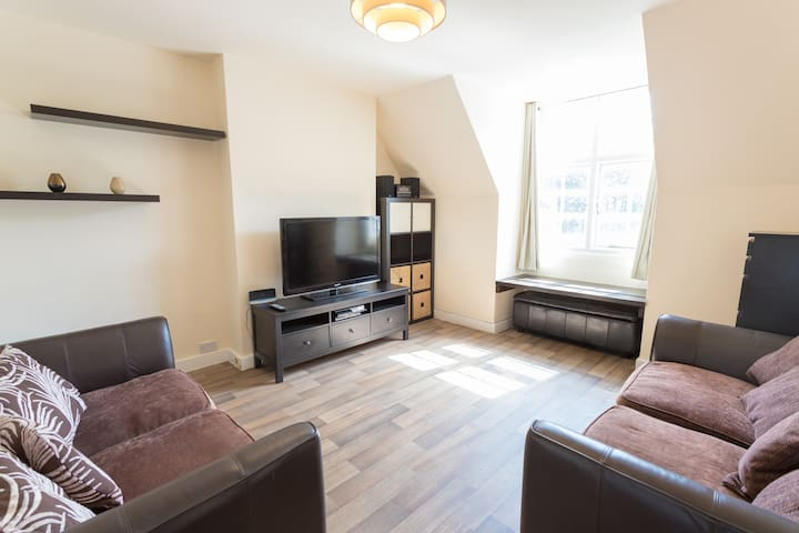 Modern 2 Bed Flat in Camden near Regents Park
