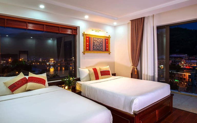 Spacious room with large balcony in Sapa town