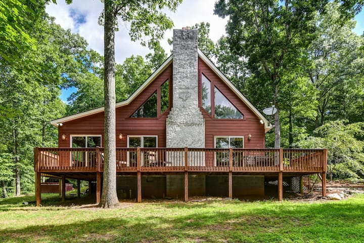 Taylor Ranch Retreat - Secluded yet close to Asheville
