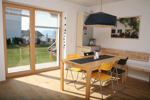 sunny & quiet with garden & terrace - 72 m²