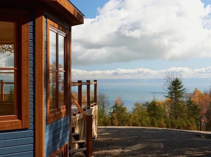 Rezervë | Blue Cottage at Domaine Charlevoix