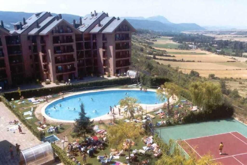 Acogedor apartamento con piscina appartements louer for Piscina jaca