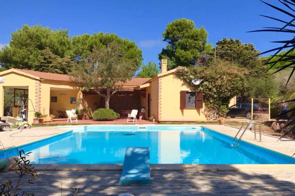 Villa paola con piscina 12 metri villas louer for Piscina 8 metri x 4