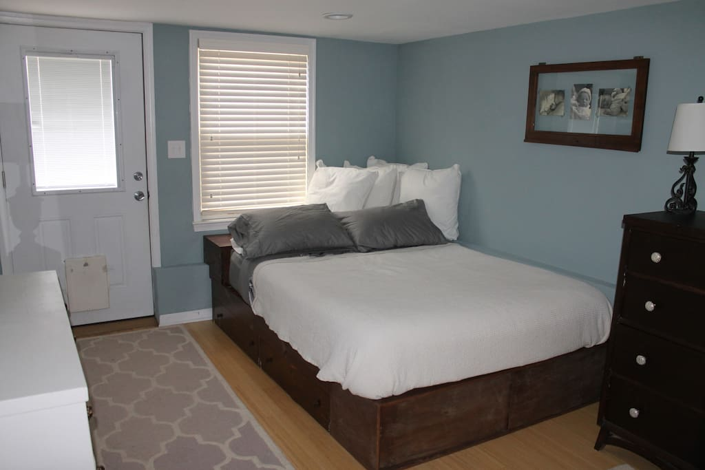 Walkout basement bedroom--queen bed