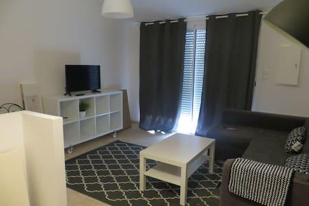 JOLIE STUDIO - Marseille - Apartment