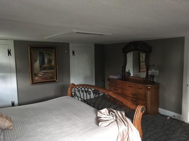 Huge kingsize bedroom