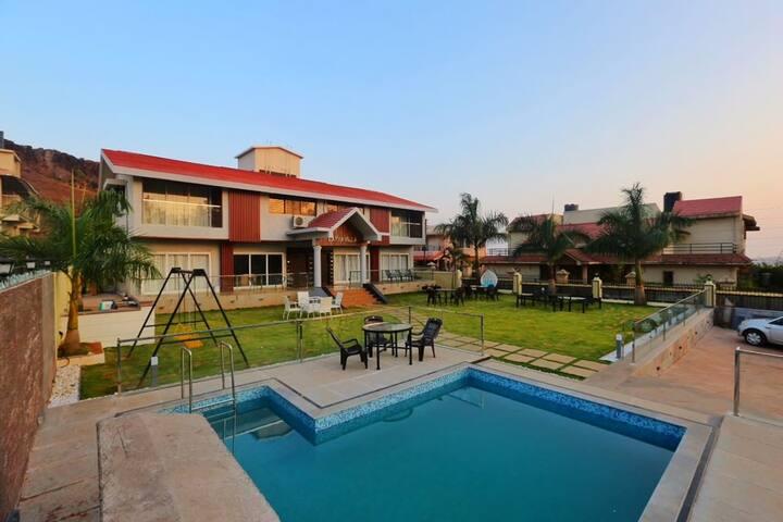 2 Units  Lakha Villa Panchgani twins Villa  6BHK
