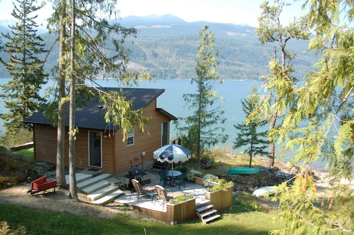 The best cabin in the Kootenays - Kootenay Bay - Huis