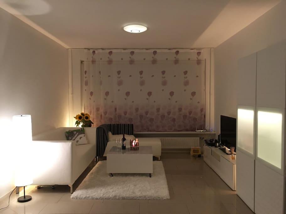 Living room at night 客廳夜晚