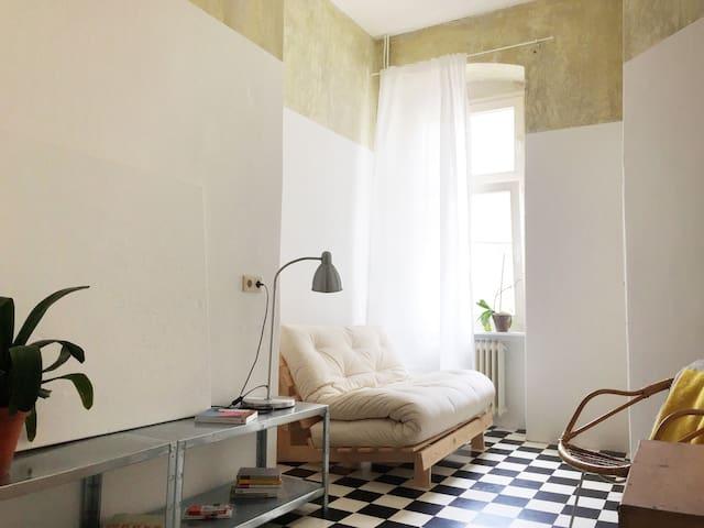 Schillerkiez Room - U8 200m Tempelhofer Feld 400m