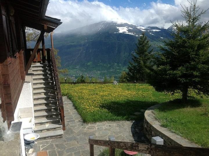 Chalet, 2000mq giardino, sempre soleggiato