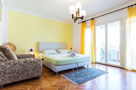 "Rooms Marija / Room ""Yellow"" (2+1) with balcony"