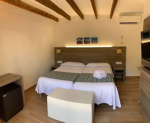 Little room in Cala Ferrera (311)