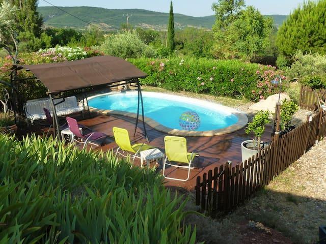 Gîte vacances 4 pers Vallée Salagou piscine calme