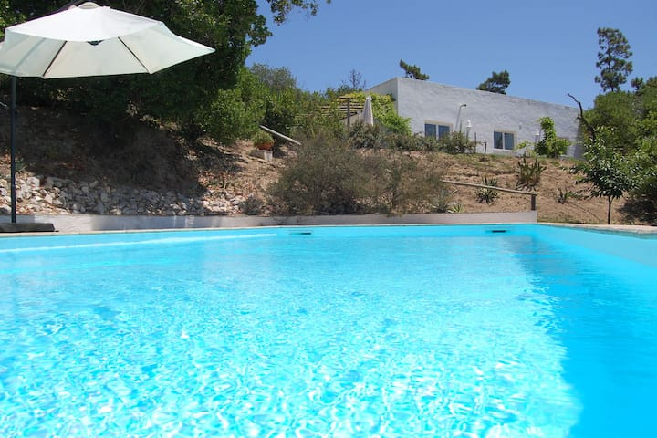 Perfect Villa in Alcobaça with Pool, Terrace, Garden & tourist attractions