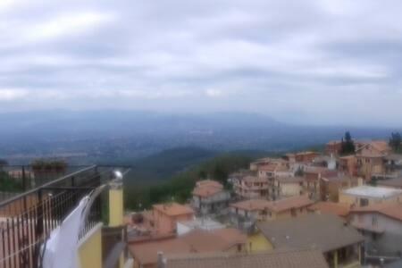 Stanza privata  vistaa panoramica - Rocca Priora - House